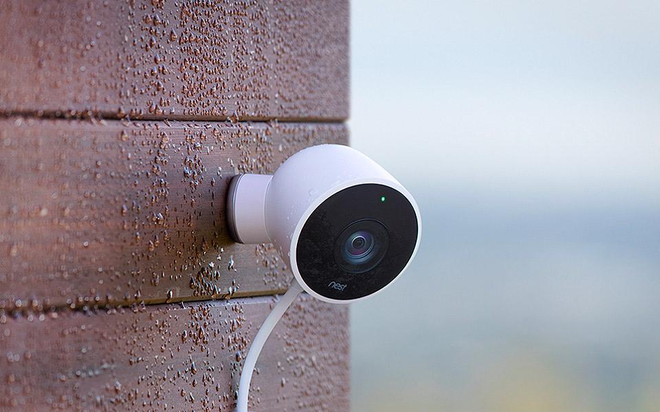 Nest sikrer dit hjem smartere med intelligent røgalarm og overvågningskamera