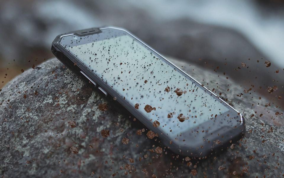 AGM's mobil er forstærket med panser og liret med læder