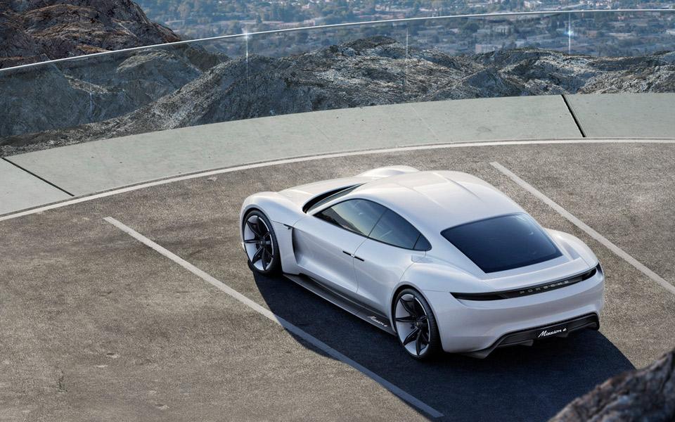 Første års produktion af Porsche Taycan er allerede udsolgt
