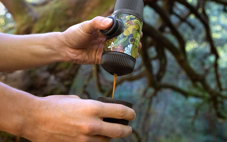 Nu kan du få verdens bedste mobile espressomaskine i et væld af fede farver