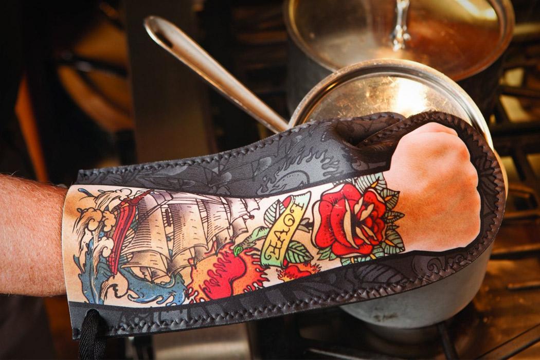 TattooOvenMitt