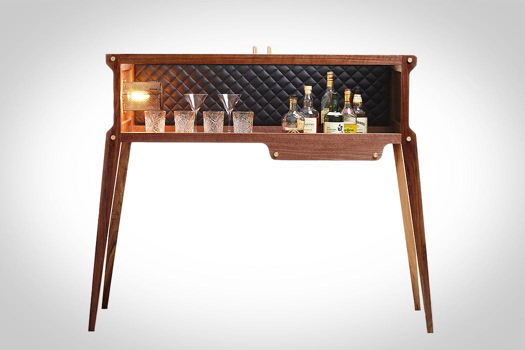 the rockstar whisky bar mandesager. Black Bedroom Furniture Sets. Home Design Ideas