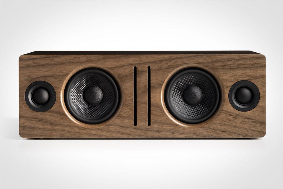 Audioengine-B2-Bluetooth-Speaker_1
