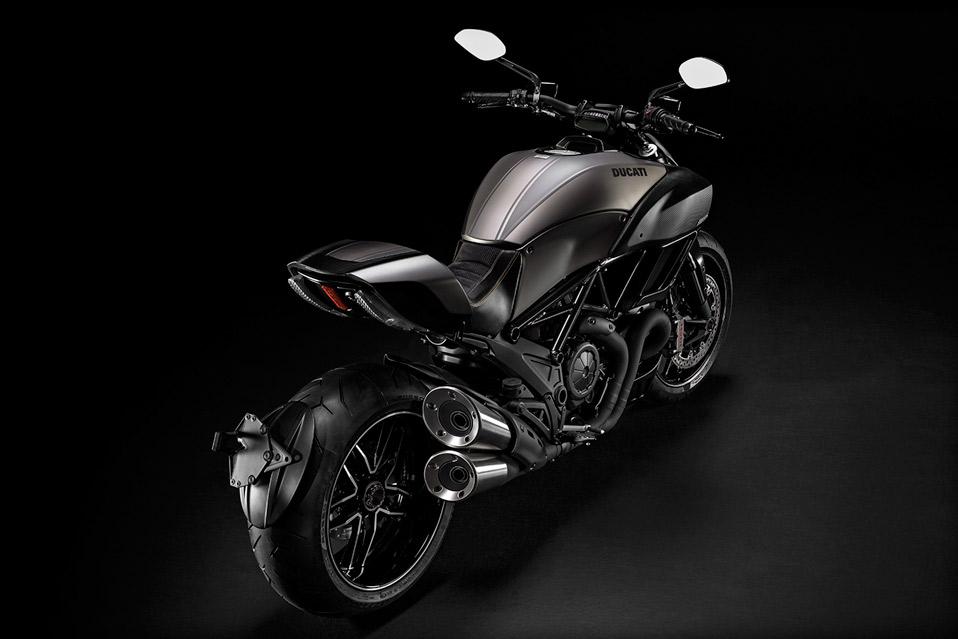 Ducati-Diavel-Titanium_1