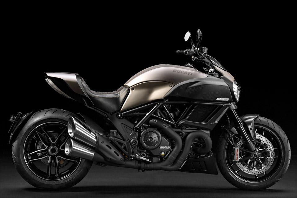Ducati-Diavel-Titanium_2
