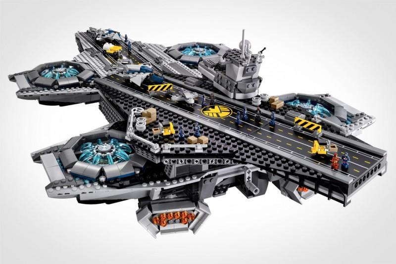 LEGO-SHIELD-Helicarrier_4