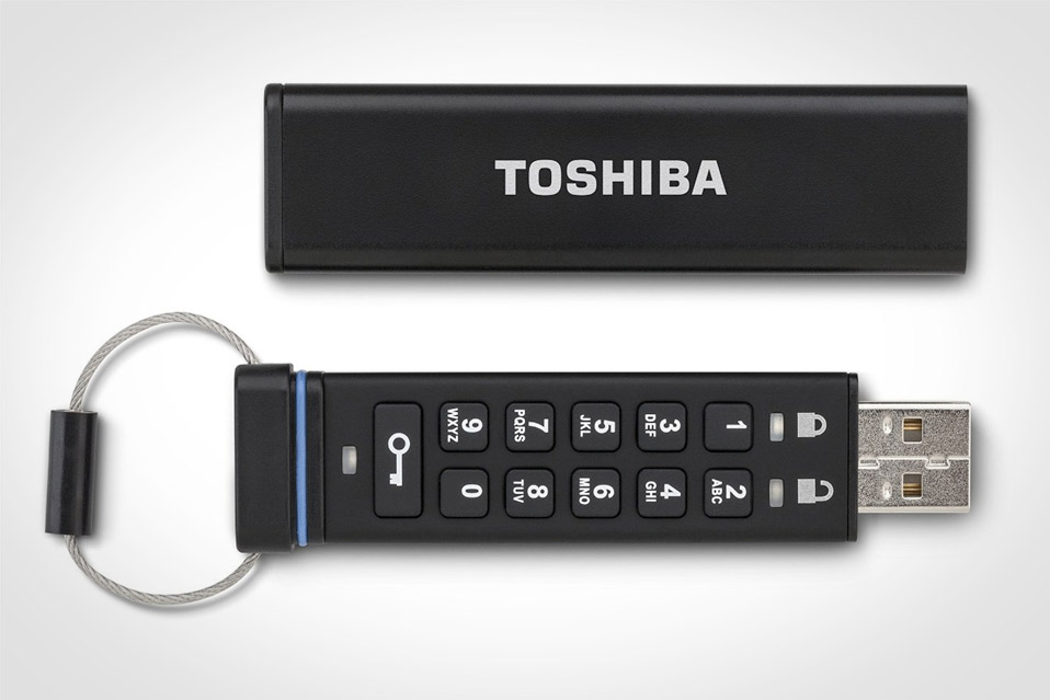 Toshiba-Encrypted-USB-Flash-Drive_2