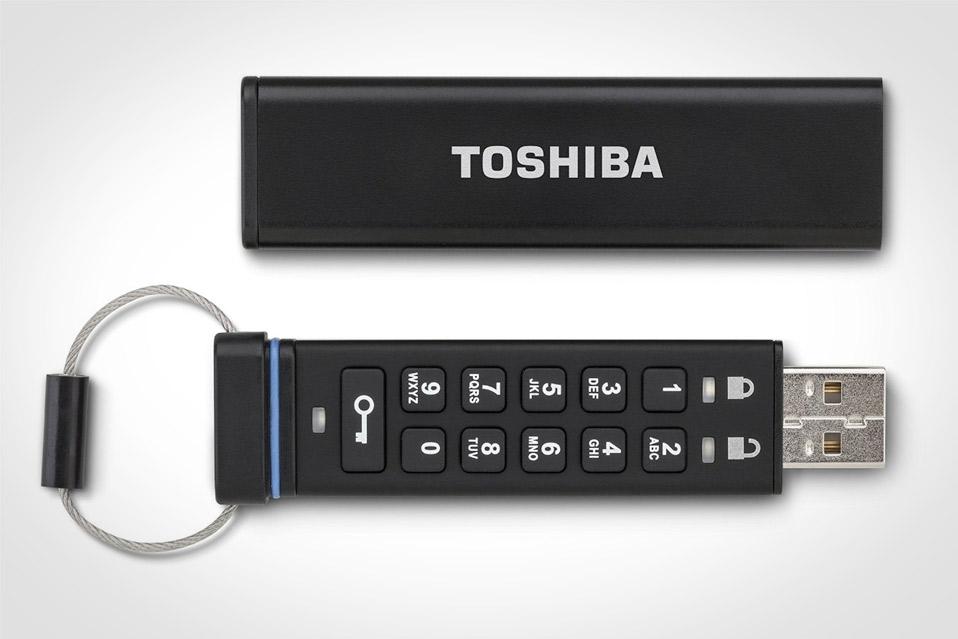 Toshiba-Encrypted-USB-Flash-Drive_2