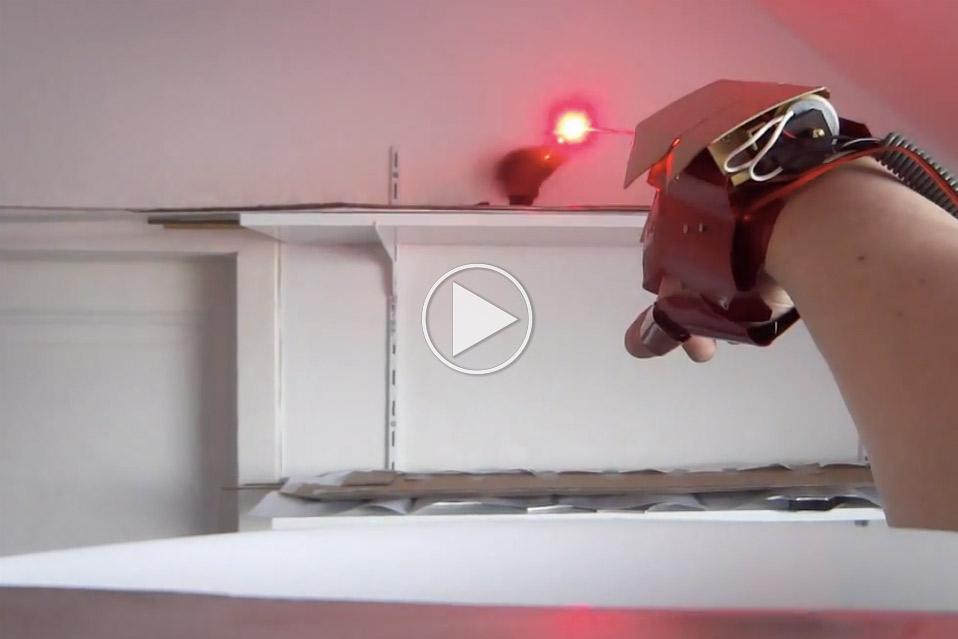 Dual-Laser-Iron-Man-Glove_1