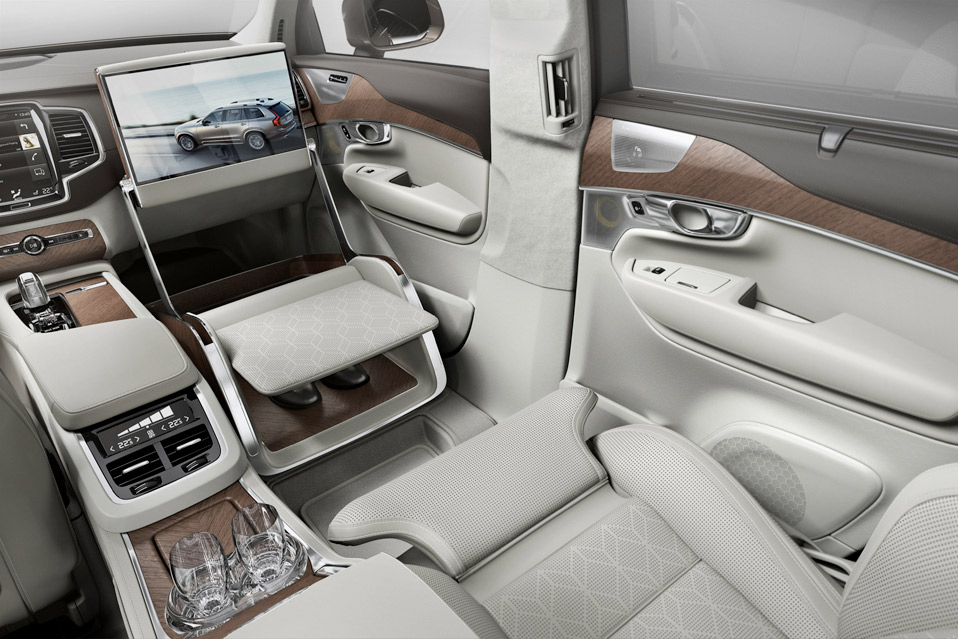 Volvo-Lounge-Console_4