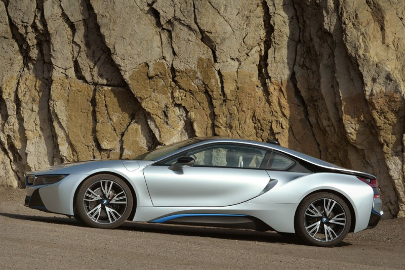 Bridgestone-Potenza-S0001-til-BMW-i8_2