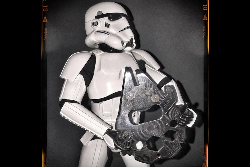 Star-Wars-Millennium-Falcon-Multitool_2