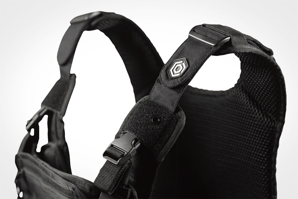 Mission-Critical-Baby-Carrier_3