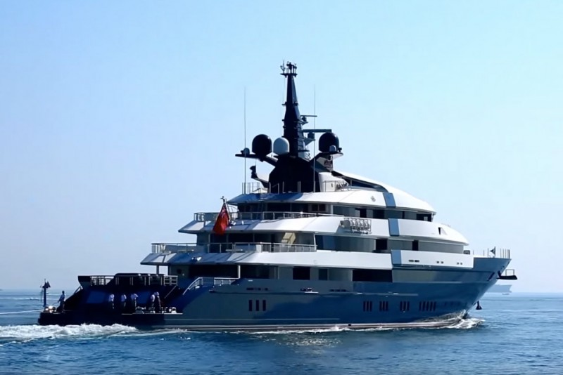 Steven Spielberg sælger sin megayacht
