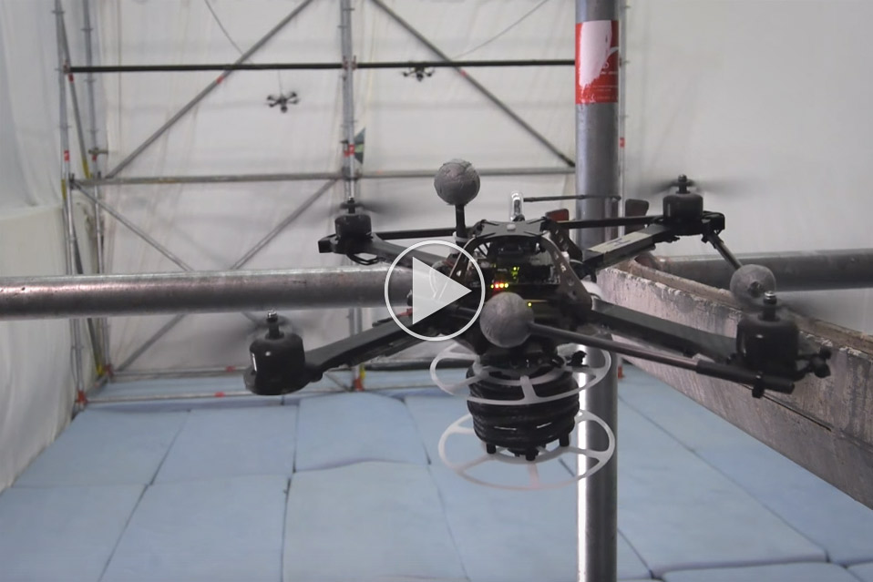 Droner-bygger-bro_1