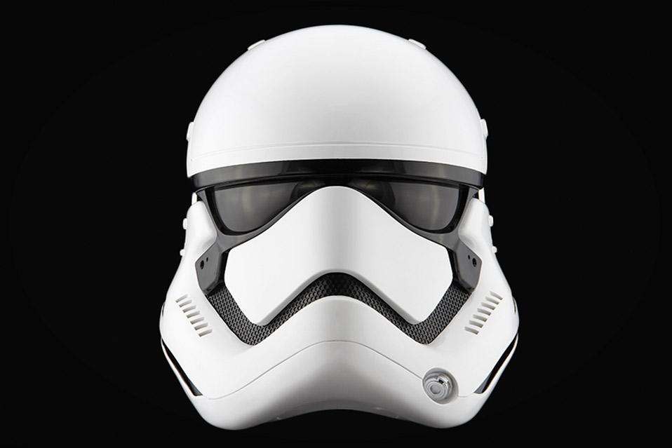Star-Wars--The-Force-Awakens-Stormtrooper-Helmet_4