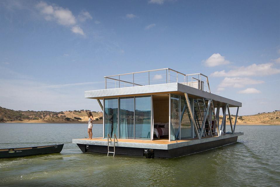 Friday-Floating-House_9