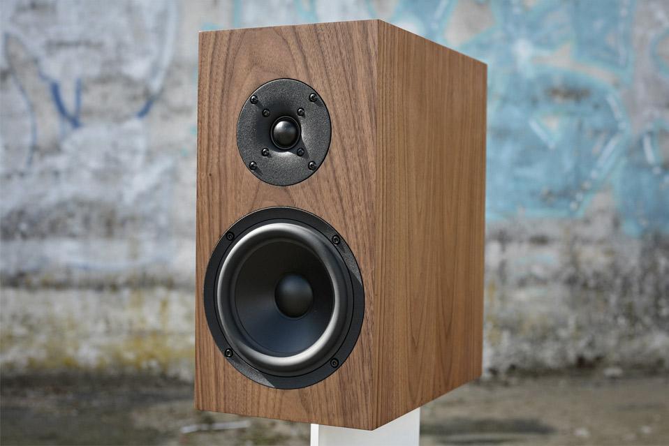 Buchardt-Audio-S300-Walnut_3
