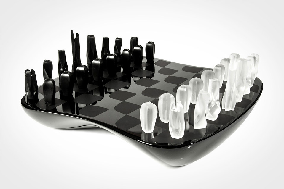 Field-of-Towers-Chess-Set_3