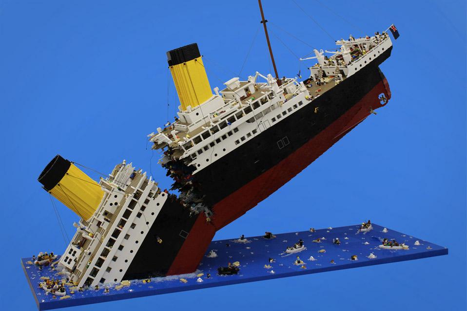 120.000-LEGO-klodser-som-synkende-Titanic_1