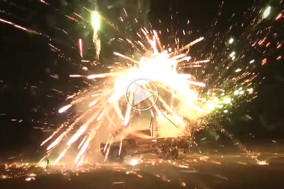 Giant-Rocket-Powered-Firework-Wheel_1