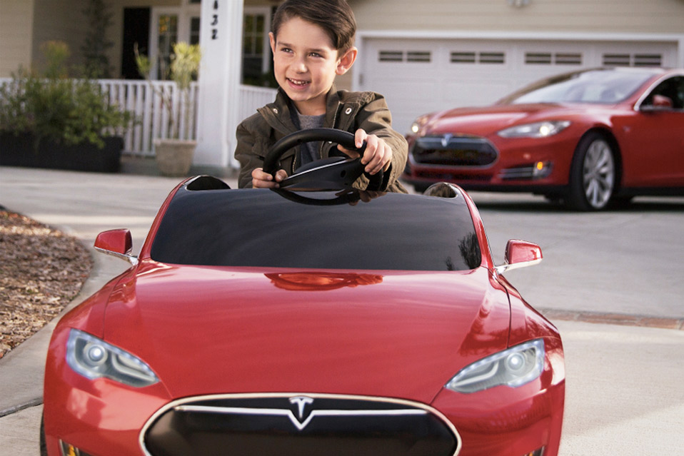 Tesla-Model-S-for-Kids_3
