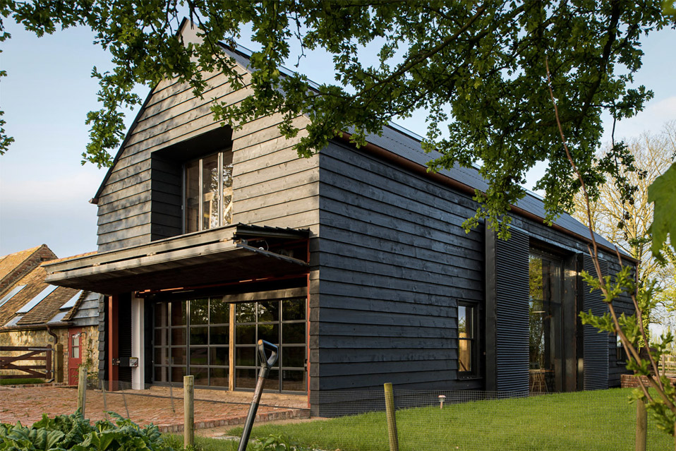 Black-Barn-Conversion_16