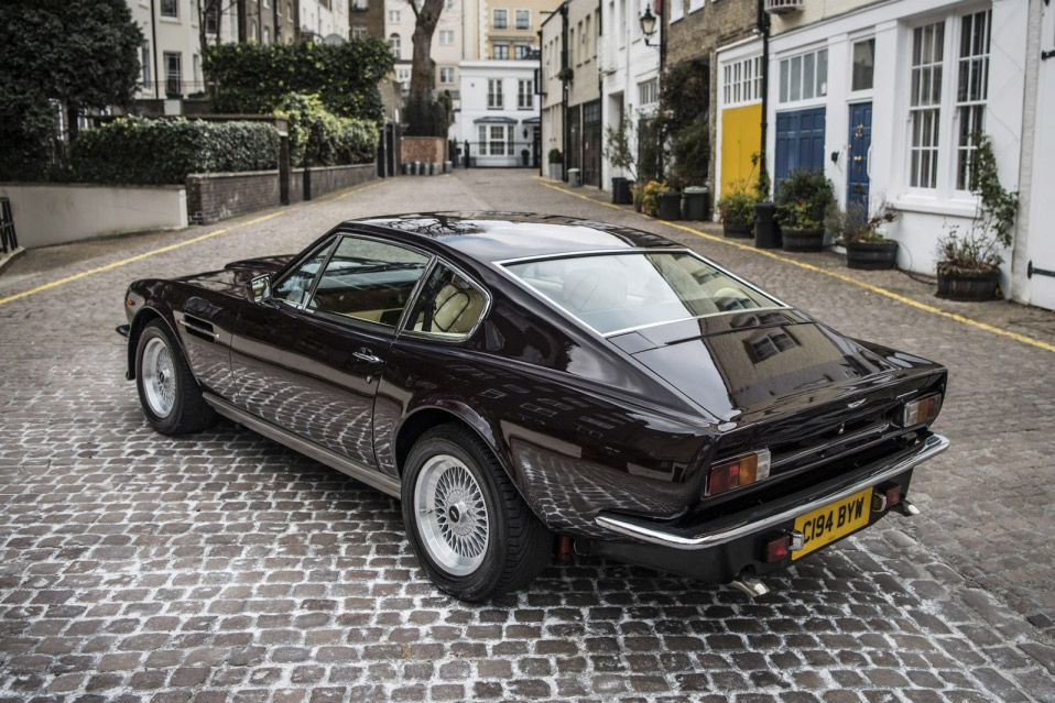 Elton-Johns-Aston-Martin-V8-Vantage-er-til-salg_12