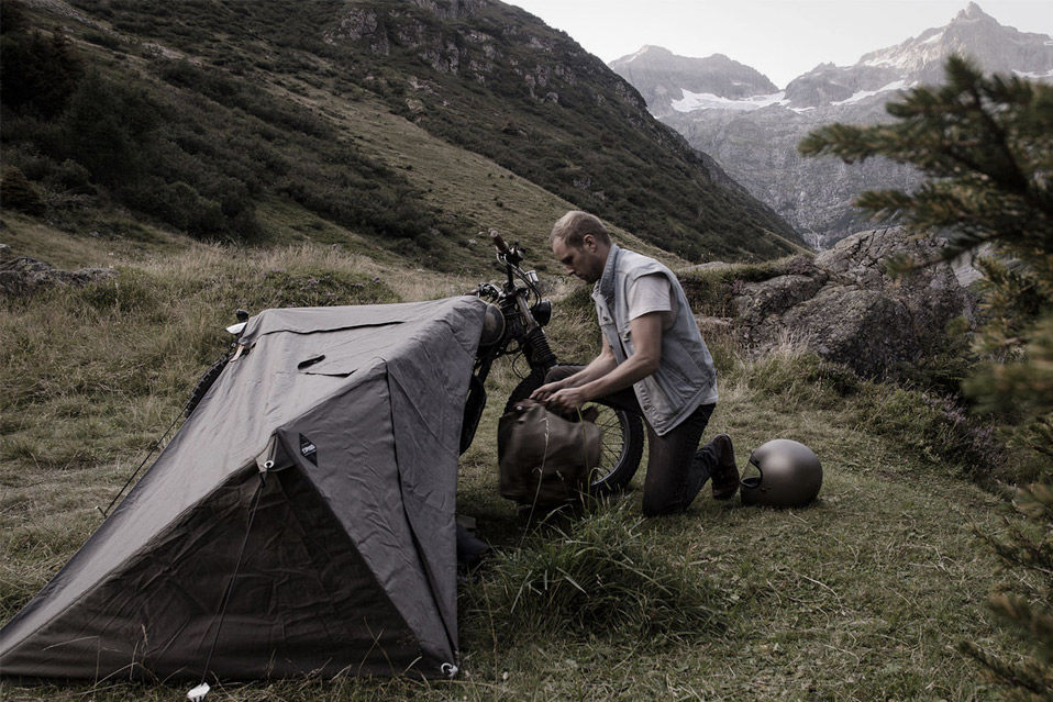 Exposed-Motorcycle-Bivouac_4