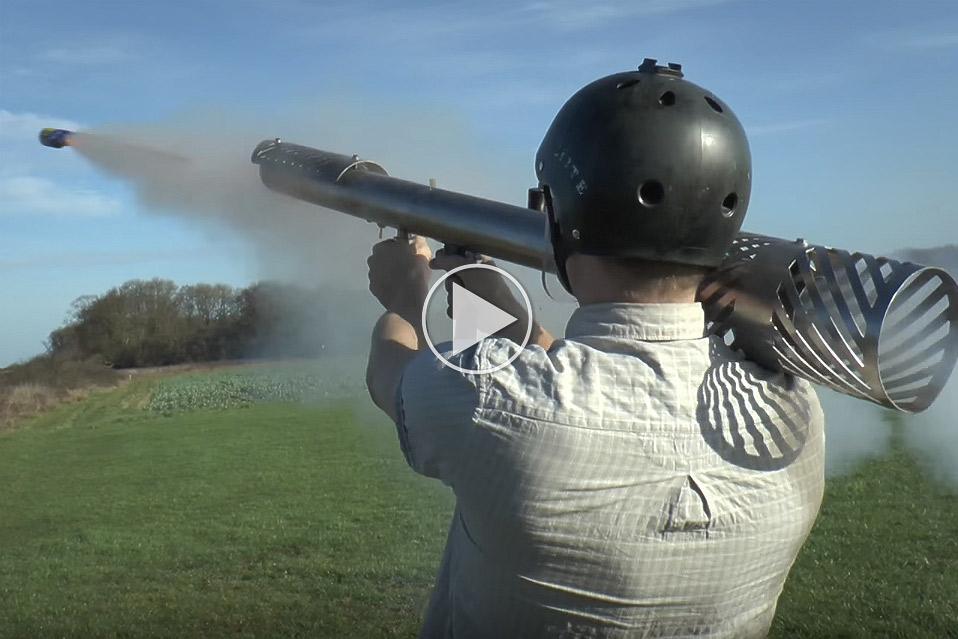 Hjemmelavet-fyrvaerkeri-bazooka_1