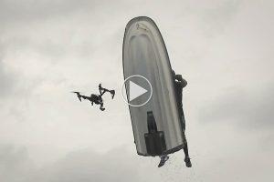 smadrer-du-en-drone-med-en-flyvende-jet-ski_1