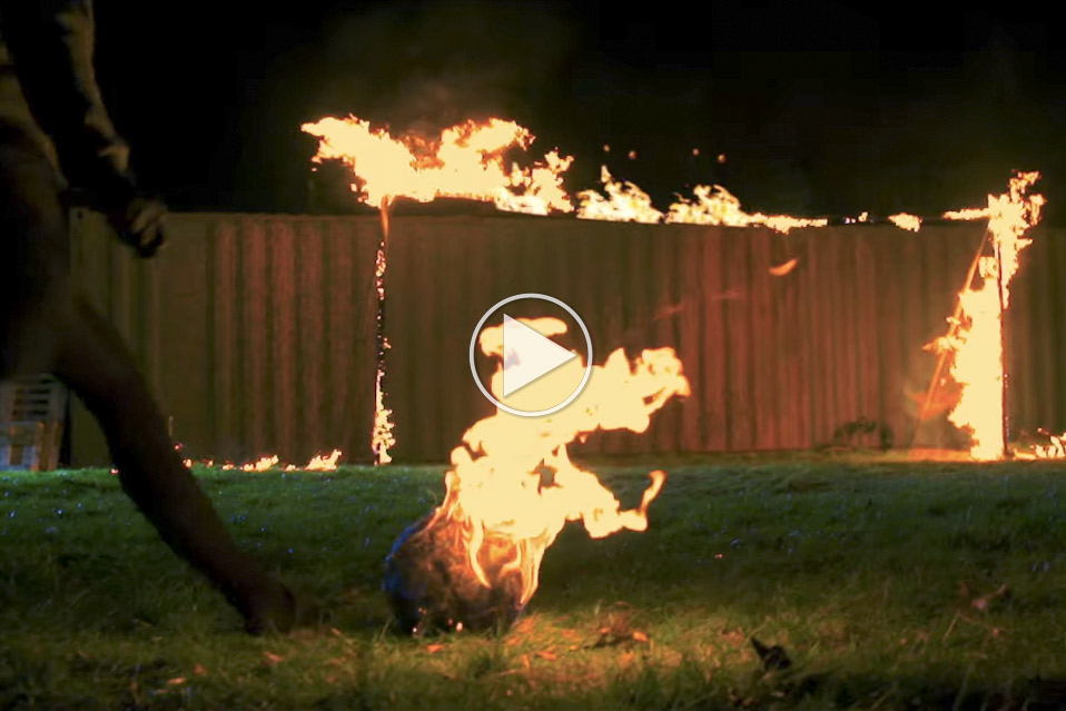 Fodbold-med-flammer_1