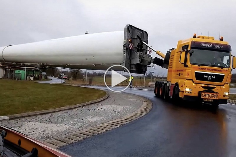 How-to-get-a-241-feet-blade-through-a-roundabout_1