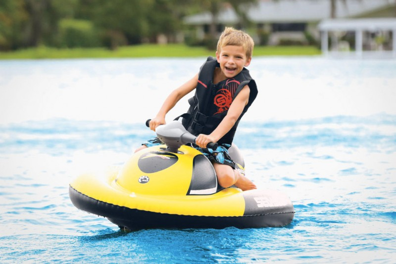 Sea-Doo-Inflatable-Water-Scooter_1