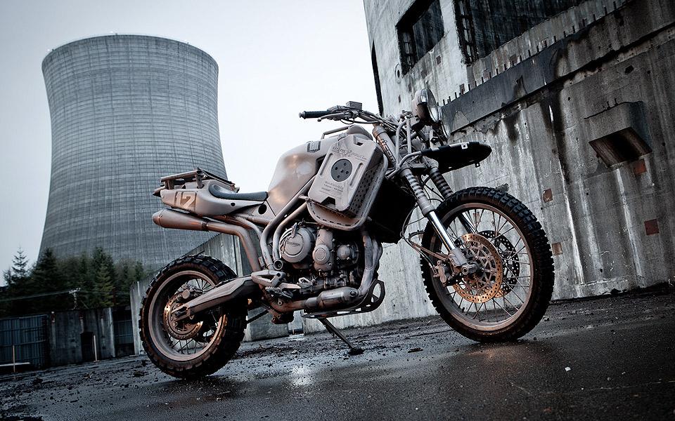 Icon-1000-Triumph-Tiger-800XC-Dromedarii_2