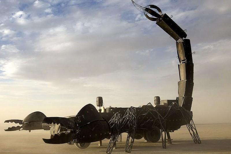 The-Scorpion-Art-Car_3