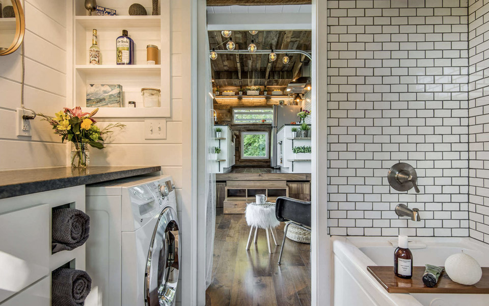 A Home That S Modern Inside And Out: Alpha Tiny House