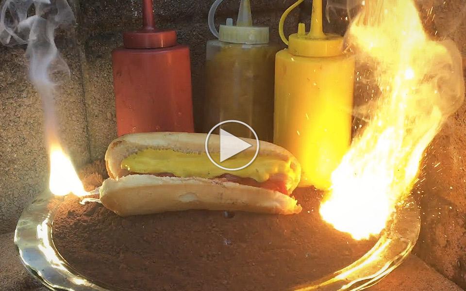 Sadan-rister-du-en-hotdog-ved-hjalp-af-2200-grader-varmt-termit_1