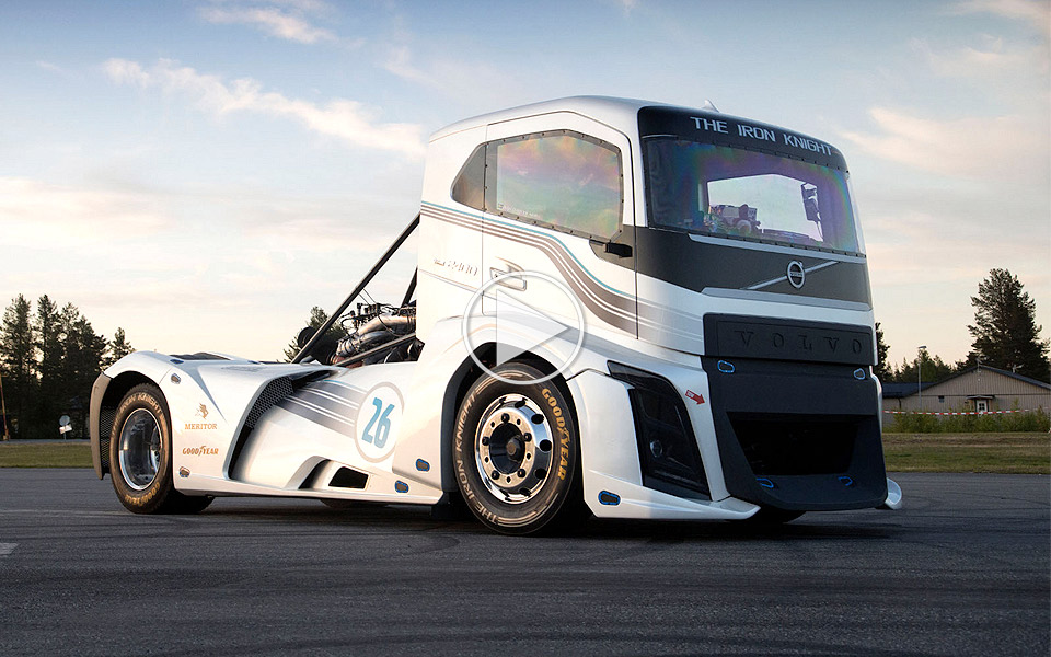 Volvo-Trucks---The-Iron-Knight-er-verdens-hurtigste-lastbil_1