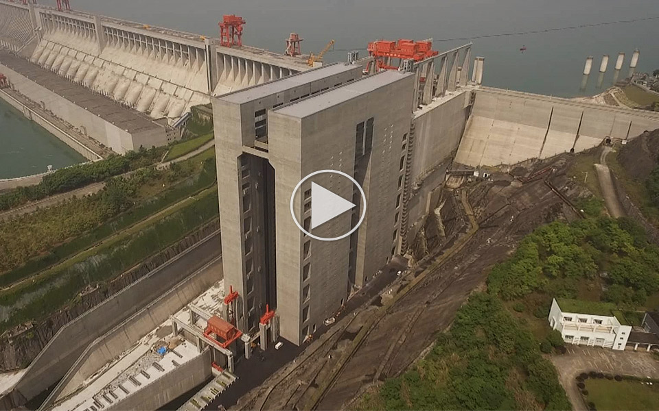 Verdens-storste-skibselevator-er-et-imponerende-monster_1
