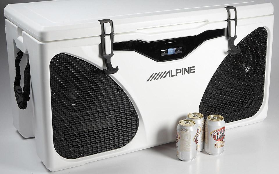 Alpine-In-Cooler-Entertainment_3
