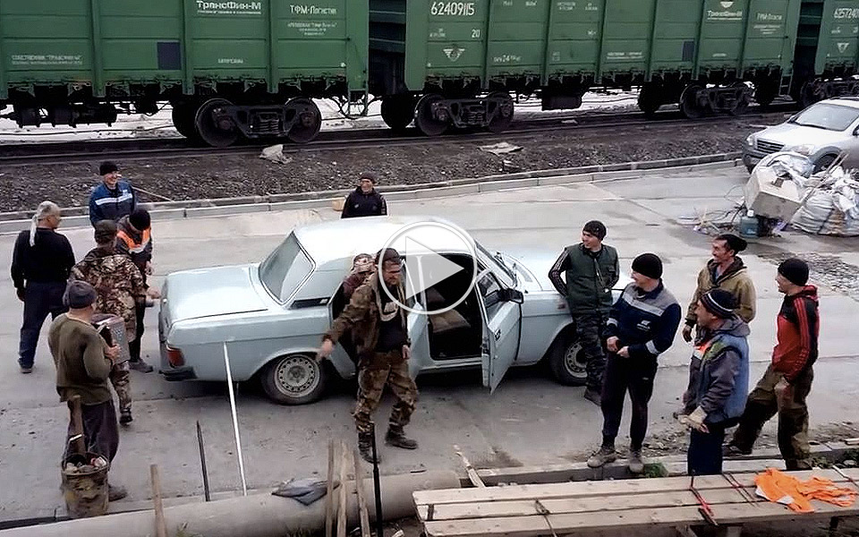 Hvor-mange-russere-kan-der-vare-i-en-bil_1