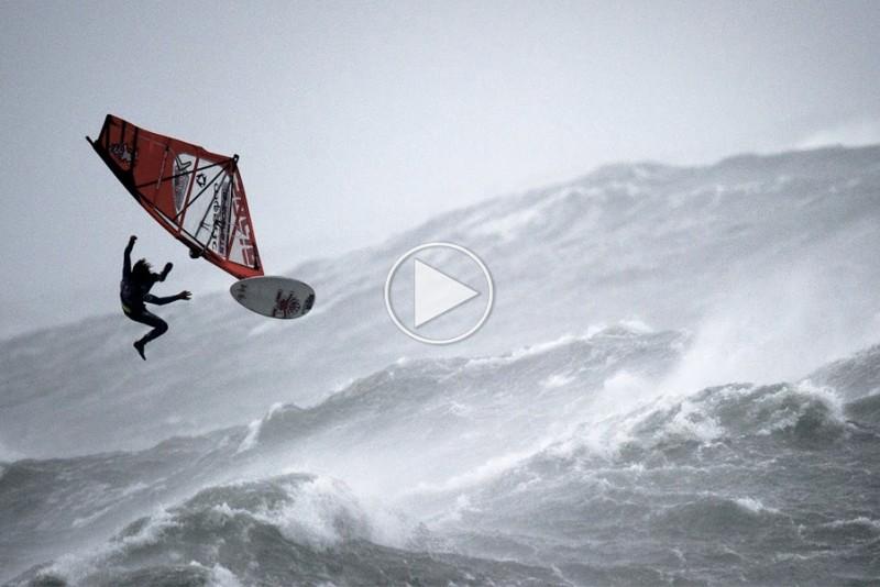 Orkan-windsurfing-er-en-vaskeagte-mandfolke-sport_1