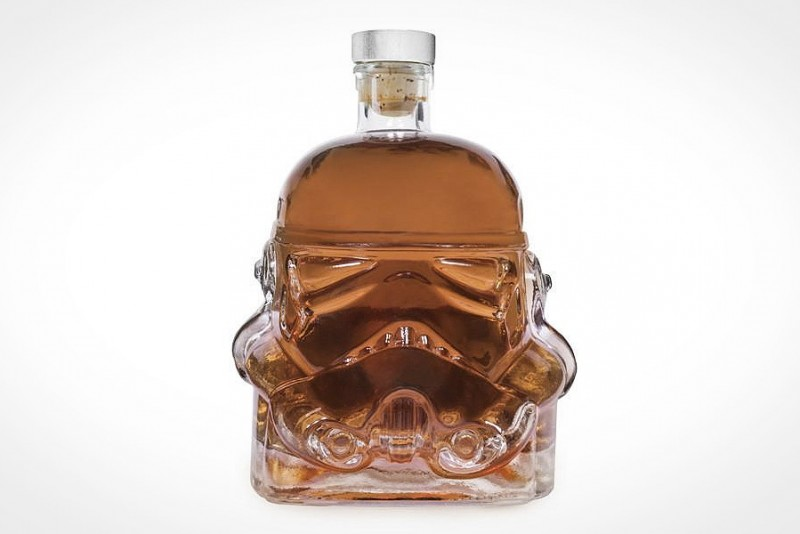 The-Original-Stormtrooper-Decanter_3