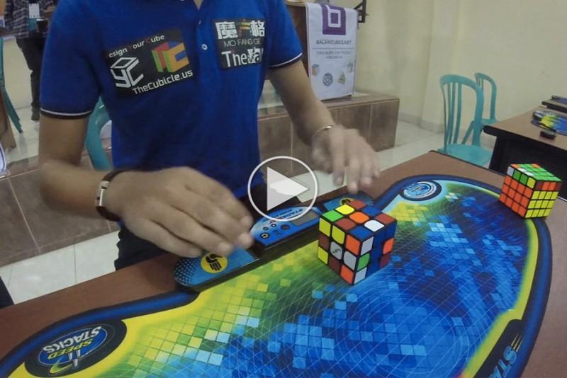 Den-nye-verdensrekord-i-at-lose-Rubiksterningen-er-skrammende-hurtig_1