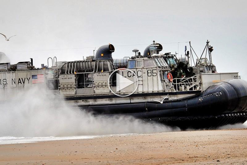 Jay-Leno-sejler-US-Navys-20000-hestes-monster_1