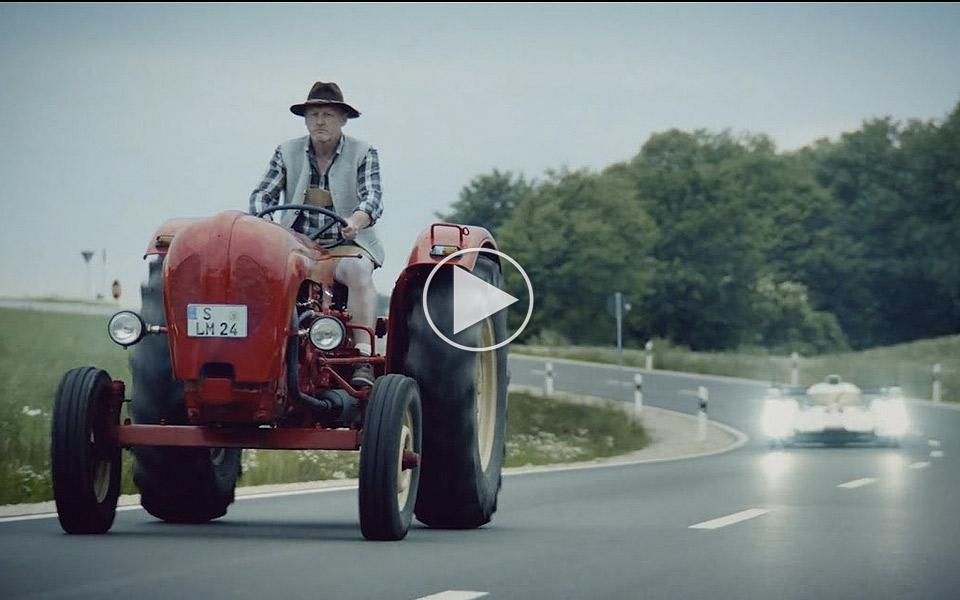 Porsche-tager-tykt-pis-pa-Audi-i-ny-reklamefilm_1