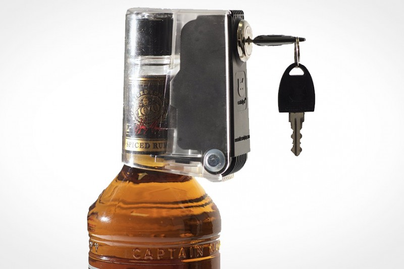 Tantalus-Bottle-Lock_3