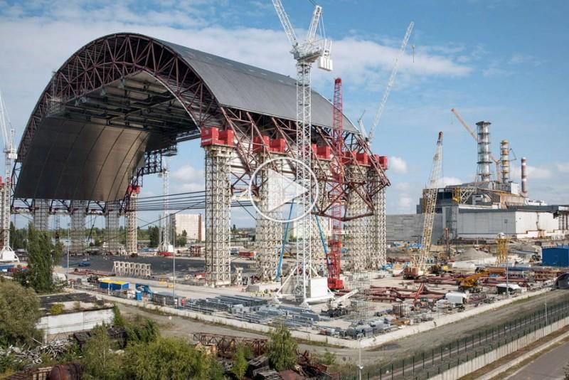 Tjernobyls-nye-gigantiske-sarkofag-er-nu-pa-plads_1