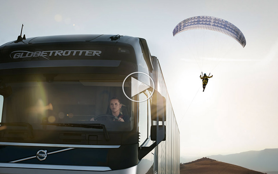 Volvo-Trucks-The-Flying-Passenger_1